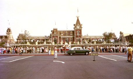 OPENING DAY (1955) -Ð This is a rare color image of opening day taken outside the Main Entrance of Disneyland.