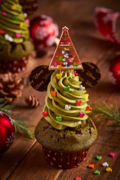 Top Off Your Celebration with a Christmas Feast at Shanghai Disney Resort As to Disney artwork, logos and properties:©Disney