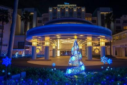 ディズニーアンバサダーホテルのイルミネーション (c)Disney