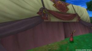 木かげの集落テント