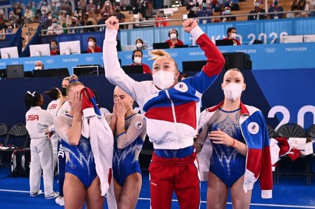 Gimnastas rusas ganaron el oro olímpico en la categoría por equipos a EEUU  tras la salida de Simone Biles - LaPatilla.com