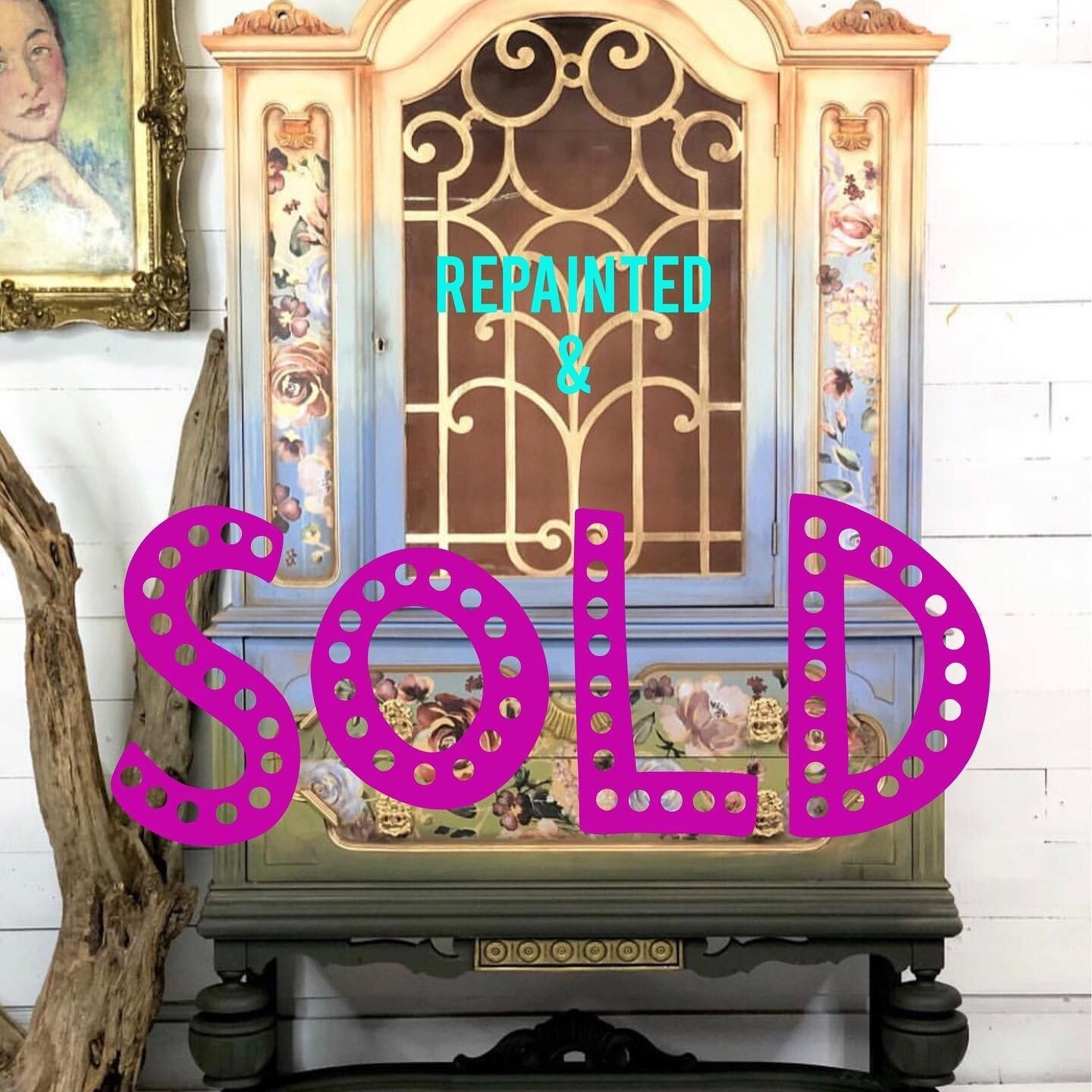 [SOLD] Floral Ombre China Hutch