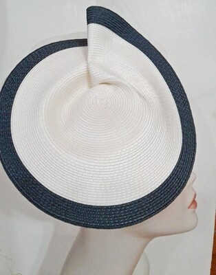 GIO/Navy and White Fascinator