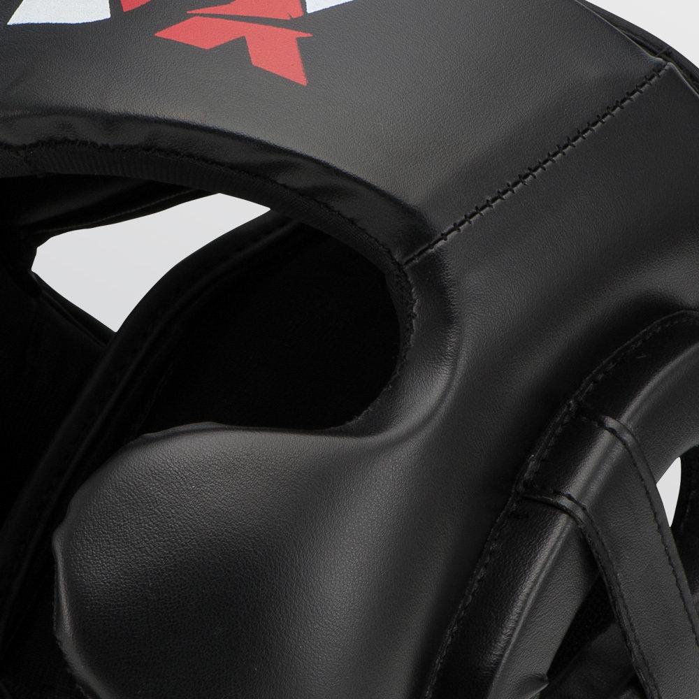 A boxing helmet with foamy filler. Боксерский шлем с пенным наполнителем.