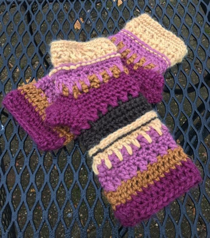 Color Play Alpaca Fingerless Gloves