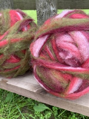 Alpaca Wool Roving - Cranberry Delight
