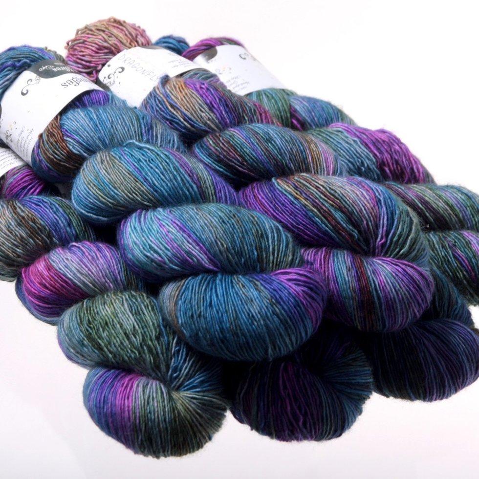 Hedgehog Fibres Kidsilk Lace in Dragonfly YE5EG0CWK6X8W