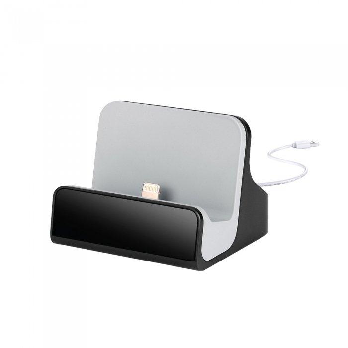 Dock Charger Wi-Fi Camera w/8GB Card - iPhone
