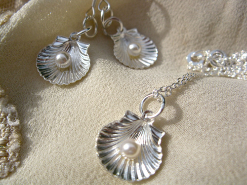 Possible to make an Earring and Necklace set