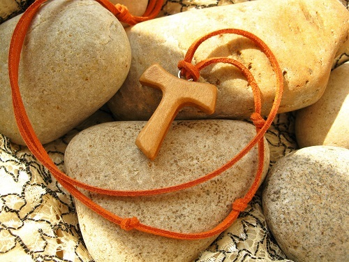 Tau Cross necklace for travellers 01011