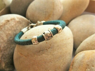 Camino de Santiago bracelet - scallop shell bead on sea green cork