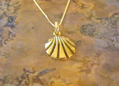 Scallop shell necklace / concha de vieira ~ 18ct gold 00876