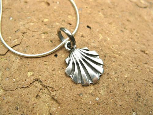 Camino de Santiago jewellery - scallop shell necklace, silver 00735