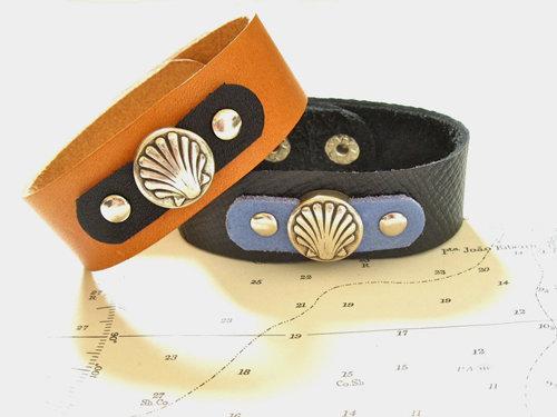 Camino de Santiago scallop shell cuff bracelet MCJ01181
