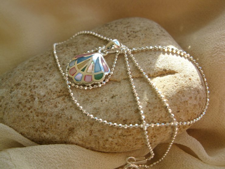 Compostela shell necklace ~ silver + mother-of-pearl 01182