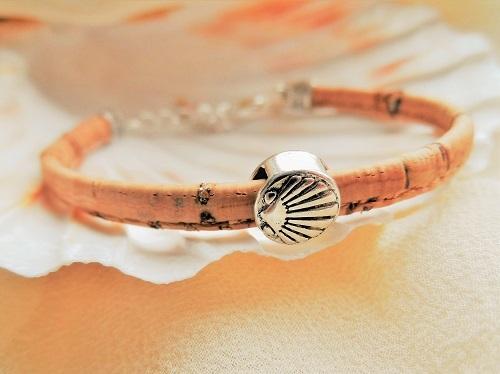 Eco-friendly Camino travel bracelet