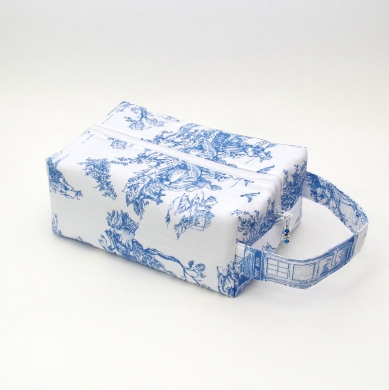 Whovian - Dalek Toile - Regular Box Bag