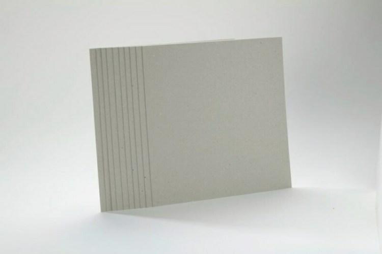 Set de 10 cartons bruts 1 mm - 30x30 cm