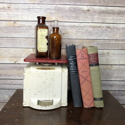 Vintage Metal Scale, Red Metal Scale, Metal Bookend