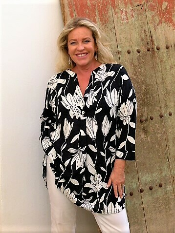 Trystin - Navy floral print tunic