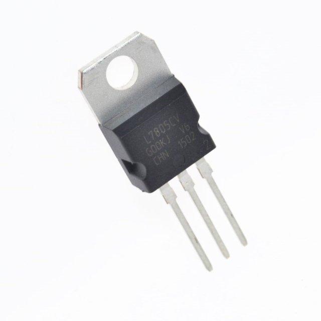 Regulator voltaj LM7805 L7805 5V