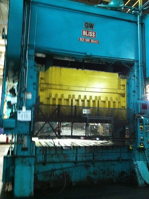 1 - USED 500 TON BLISS STRAIGHT SIDE DOUBLE CRANK  POWER PRESS C-3705