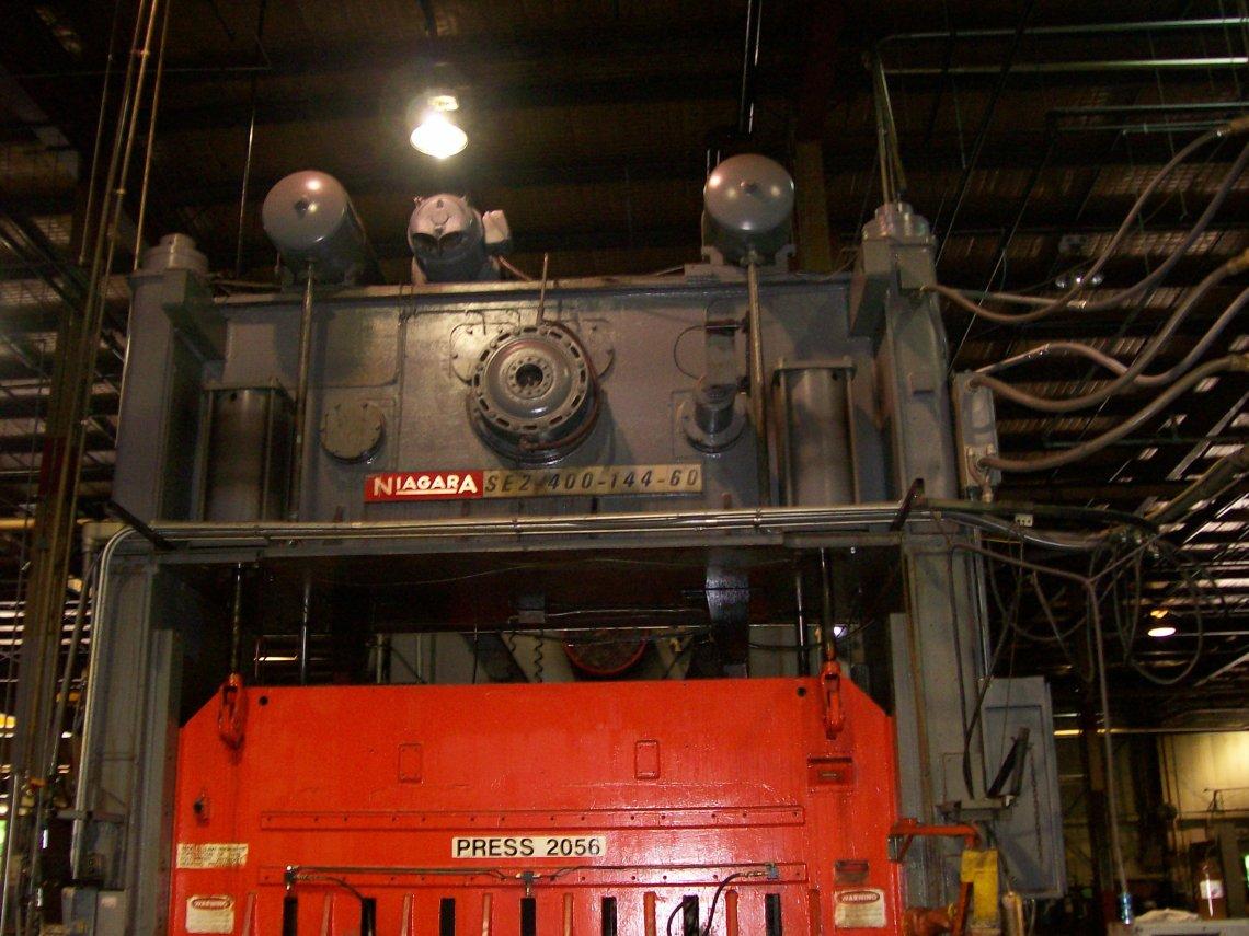 1 - USED 400 TON NIAGARA 2-POINT ECCENTRIC POWER PRESS