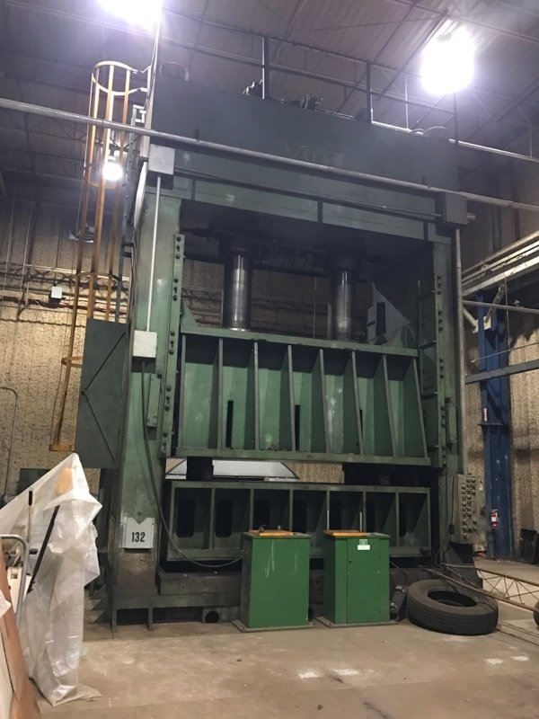 1 – USED 700 TON VERSON HYDRAULIC STAMPING PRESS C-5198