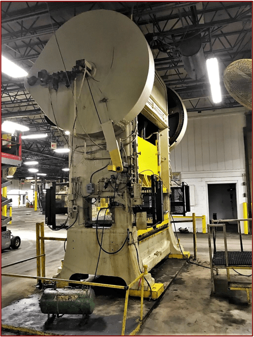 1 – USED 300 TON MINSTER STRAIGHT SIDE TWIN DRIVE PRESS