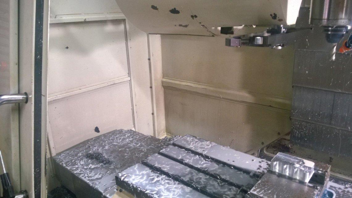 1 – USED HURCO VM2 MULTI-PROGRAMMABLE VERTICAL MACHINING CENTER