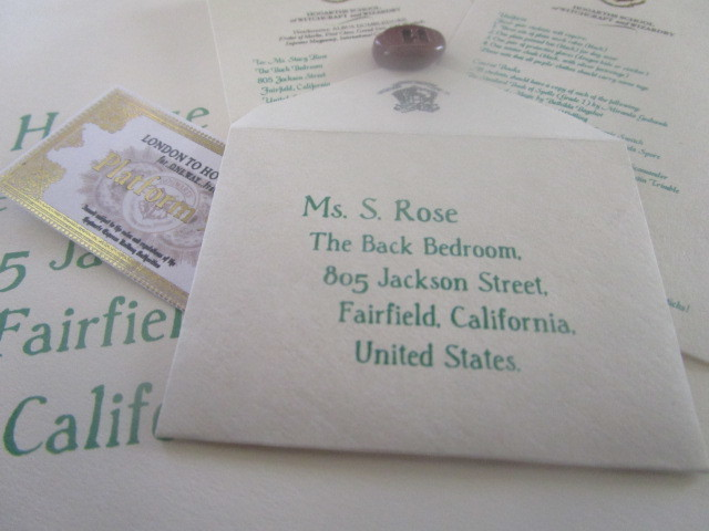 "Mini Wizarding Acceptance Letter & Ticket for 18""  Dolls (British School) 00018"