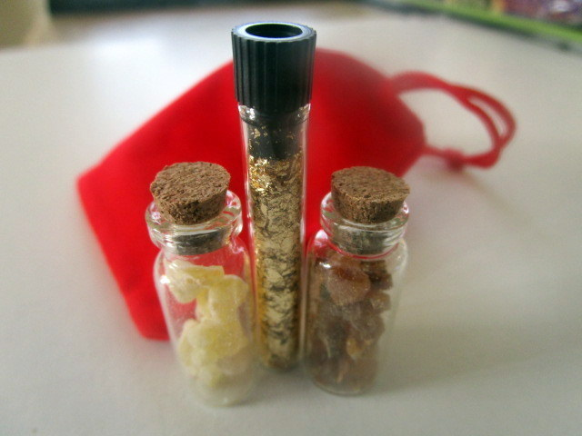Gold, Frankincense, & Myrrh gift set