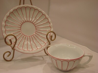 Harbor East 'Let Us Entertain You!' White with Red Trim Teacup and Saucer and Tea Sampler