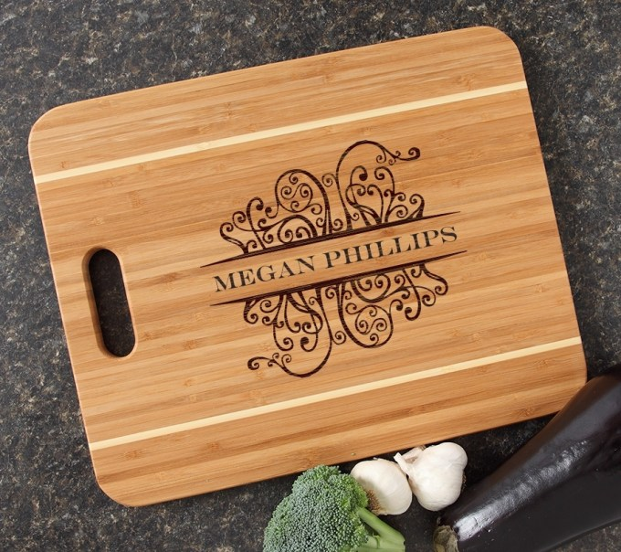Personalized Cutting Board Engraved 15x12 Handle DESIGN 4 CBA-004