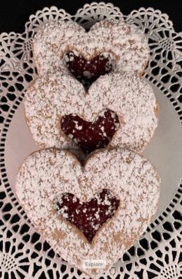 Linzer Heart Cookie each