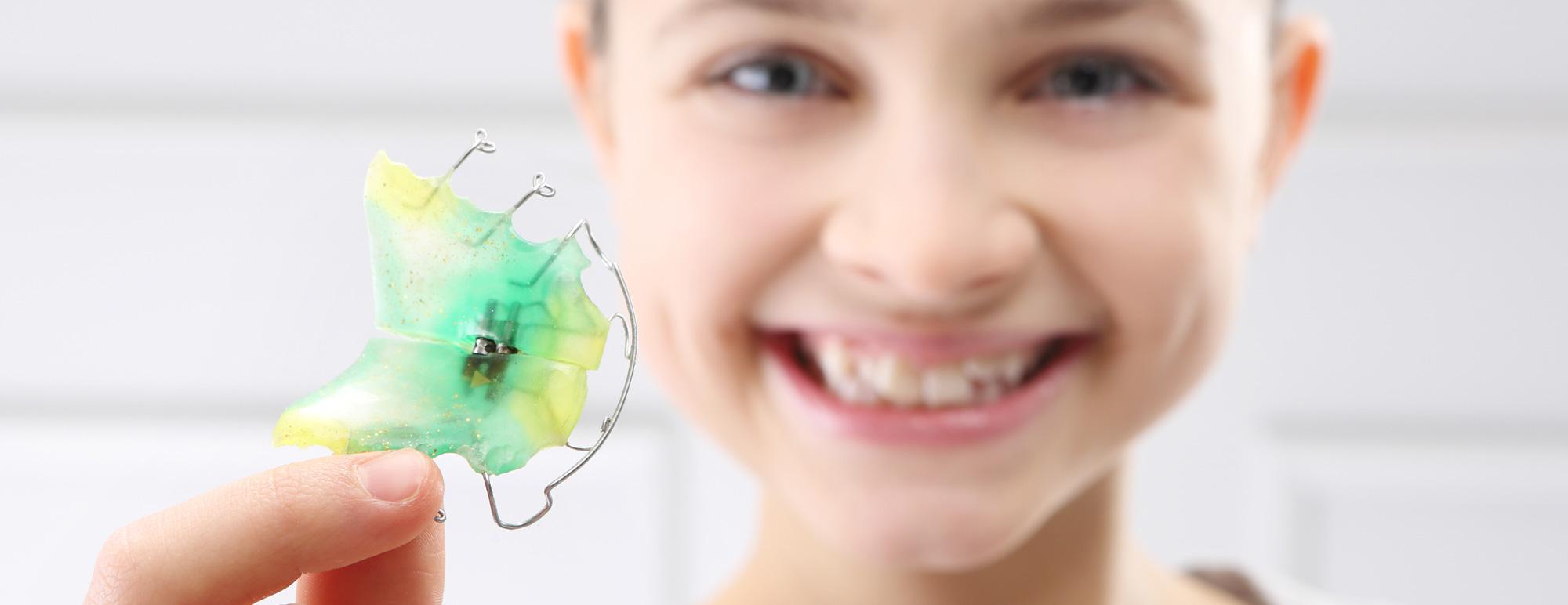 Orthodontie 94 Choisy le Roi: Appareils orthodontiques Esthétique Invisible Invisalign linguale Céramique Transparent