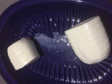 fresh sliced mozzarella drained