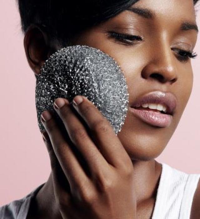 酒糟性皮膚炎的症狀會導致皮膚乾燥!如果有酒糟性皮膚炎就不要膚面膜,面膜只有水分,無法補充皮膚要的油脂