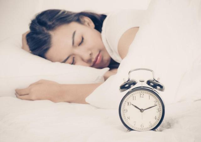 不長青春痘的方法就是早睡!正常的作息對青春痘的賀爾蒙影響有很大的功效。沒事就早睡 ,降低青春痘發生率。