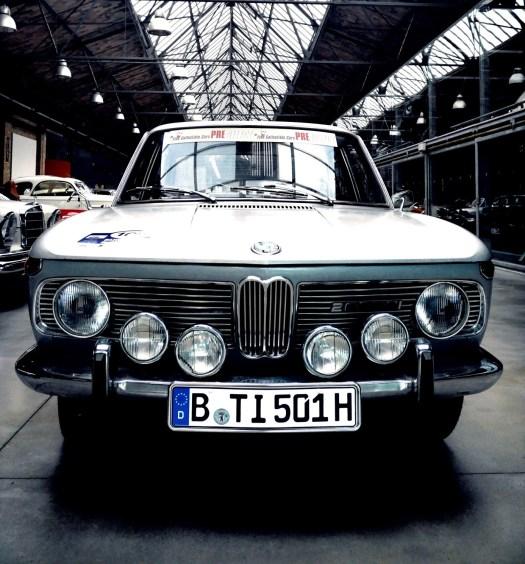 BMW2000