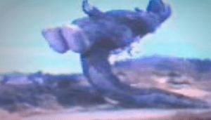 godzilla-voadora