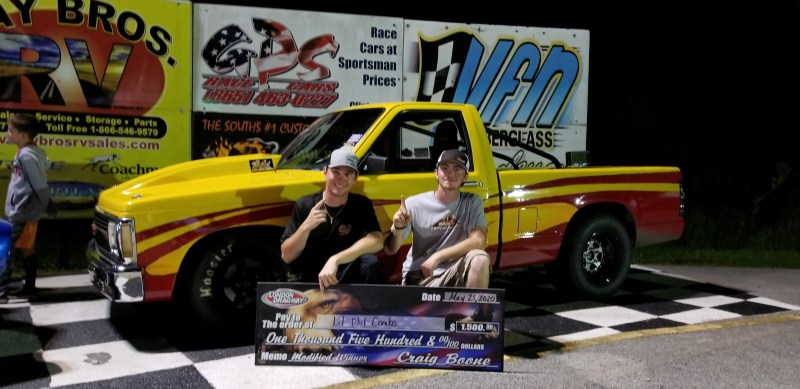 lil phil and zach combs winners circle london dragway