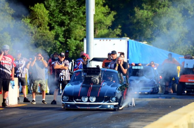 "PDRA co-owner Gene Hector gets ready for his final Pro Extreme qualifying pass in his ""Small-Block Mafia"" '63 Corvette."