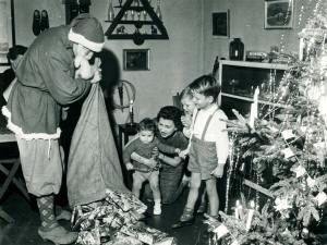 Juleaften i slutningen af 1950'erne. Foto: Historisk Arkiv Dragør.
