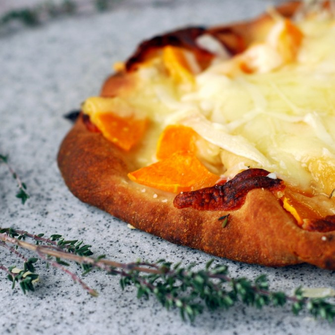 butternut flatbread pizza with thyme 3