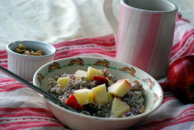 wheatberry breakfast bowl with mug 18