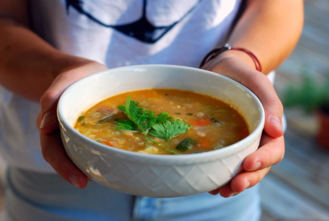 sole minestrone in hands 2