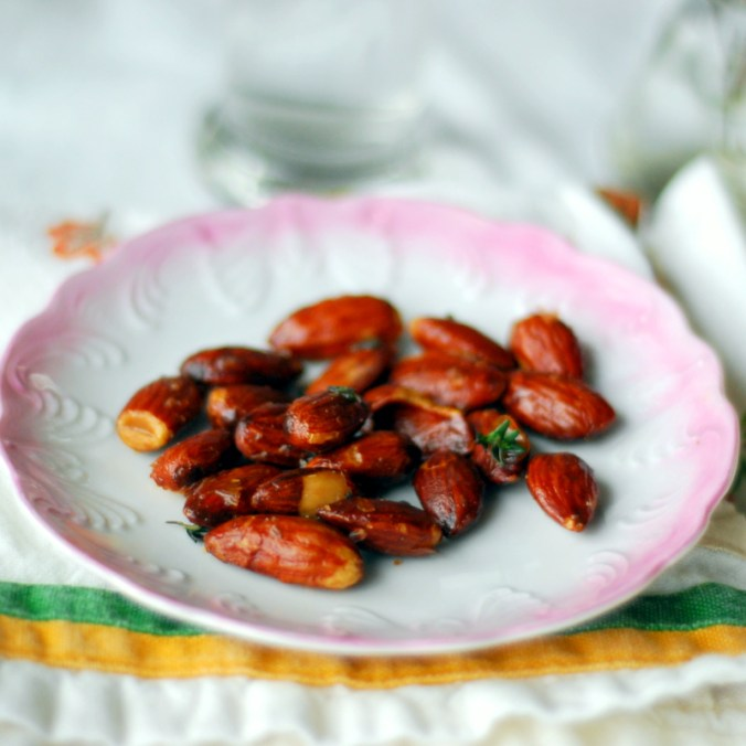 maple herb roasted almonds 2