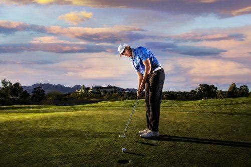 40_best high school senior photos, las vegas golf, country club, golf course, mountains, guy senior photography