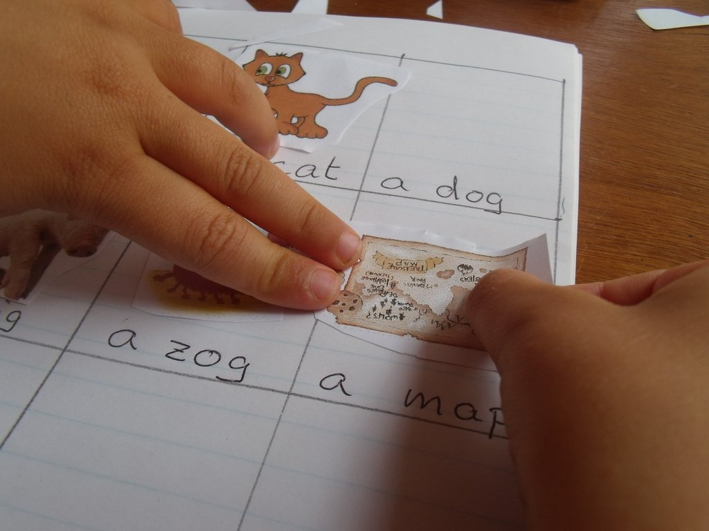Cvc Words Worksheet For Children Learning How To Read